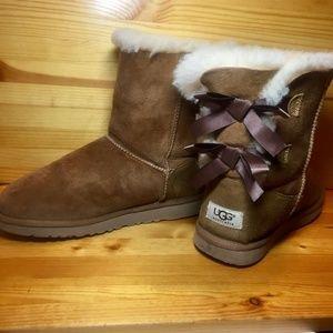 Ugg GirlsBailey Bow Slip On Boots Big Kids  Size 6